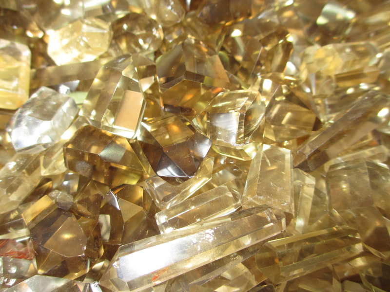 Citrine polished, natural color, premium quality